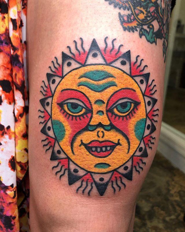 64 12 - 100 Tatouages Soleil