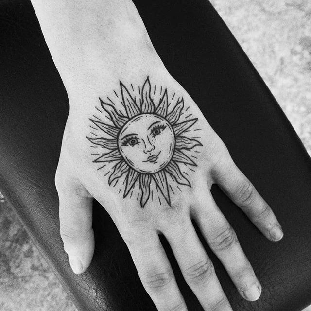 96 11 - 100 Tatouages Soleil